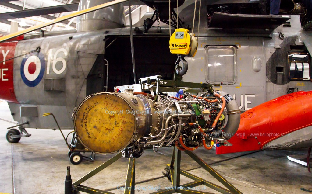 771 Sqn Sea King Engine change,at RNAS Culdrose